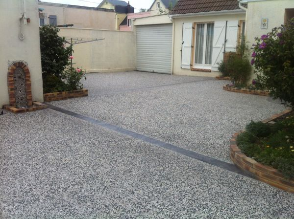 Revetement sol exterieur beton for Revetement de sol exterieur carrossable